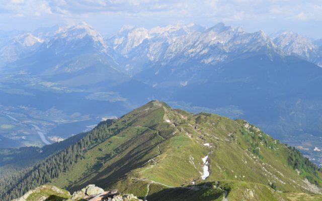 Die Alpen zu Fuß überqueren? Mit diesen neun Regeln schaffst du es.